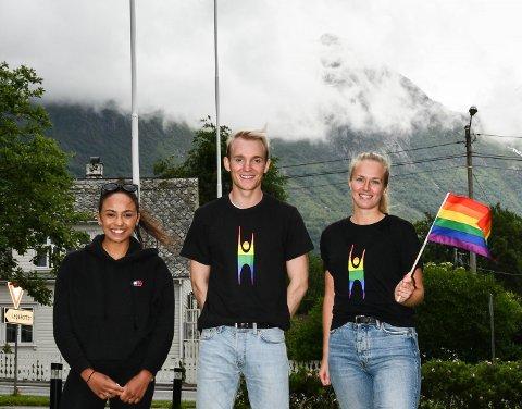F.v. Miriam Korsvold, Idar Sundal Rangsæter og Tonje Kristiansen Bryn stod bak historias første Pride-markering i Kvinnherad.
