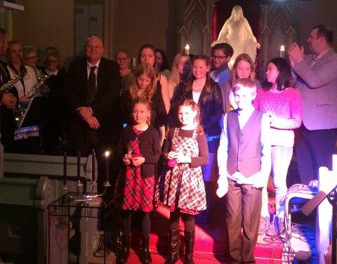 Mange hadde tatt turen til årets førjulskonsert i Tuft kirke 1. søndag i advent.