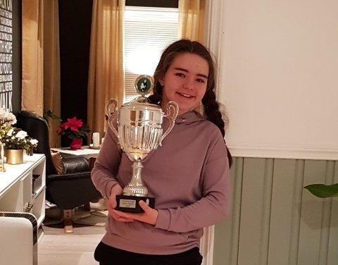 Adelen Berntsen er den suverene vinner av vandrepokalen i Anette Møller-løpet 2018.