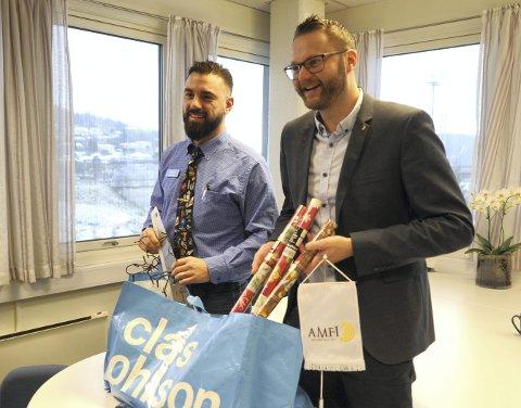 FORNØYD: Senterleder ved Brotorvet, Bjørn Gunnar Standal Darre (til høyre) er fornøyd med fjoråret. Her fra lanseringen av Clas Ohlson på senteret.