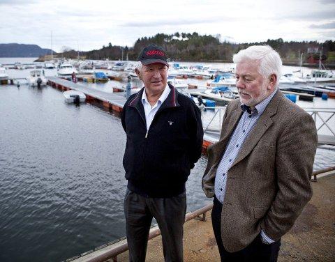 1: Charles Klinge og Robert Jakobsen tilbake på stedet hvor Redningsskøyta la til på ulykkesdagen i 2002. Foto: Sofi Lundin