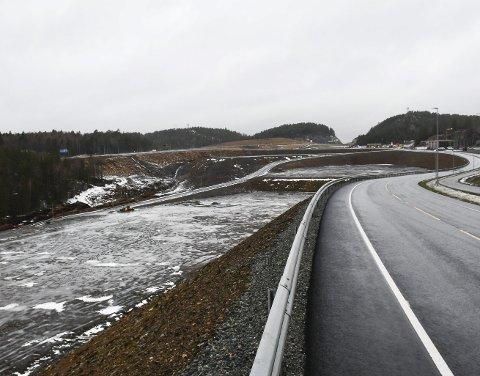 Grenstøl: I området til venstre er flere interessert i tomt. En er solgt.  Foto: Marianne Drivdal