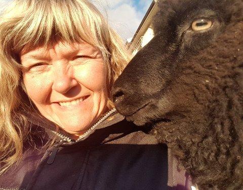 Reagerer: Leiar for Øystre Slidre Bonde og Småbrukarlag, Marit Helene Bryhn-Svensen, vart overraska over at rådmannen vil byggje i eit område som potensielt er eit beiteområde og er i dag regulert til landbruks-, natur – og friluft gjeremål.
