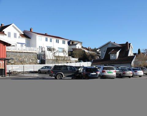 Høyre mener Sjøtorget bør brukes til mer enn parkeringsplass