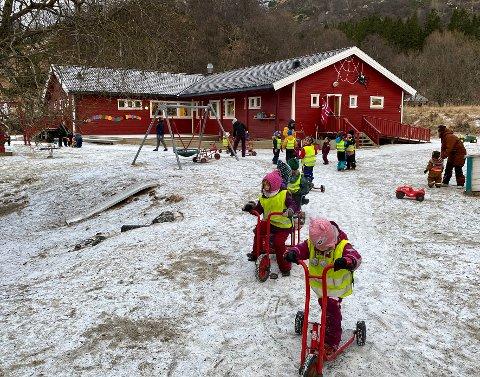 Forstår ikke: Tilhengerne av barnehageutbygging i Bogen kan ikke forstå at det legges opp til en utvidelse av kapasiteten i barnehagen på Laskestad på Engeløya.