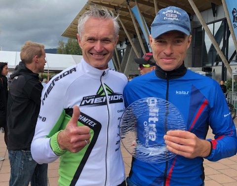 STERK DUO: Jan Olav Beitmyren (t.v) var raskest i klasse: 50-54 år, men også liungen Jon Arne Fossen hadde god grunn til å være fornøyd med 2. plassen.