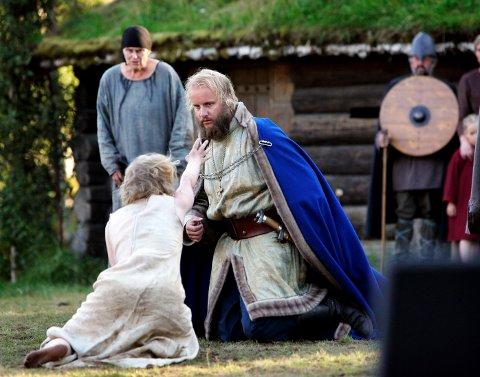 Spelet om Heilag Olav blir spelt på Stiklestad kvar sommar. Her er det skodespelar Hallvard Holmen som spelar Olav under Stiklestadspelet i 2005.