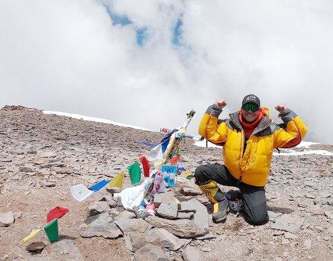 TIL TOPPS: Tor Christer Augdal Siljehaug har nådd målet, Aconcagua, 6962 meter over havet.