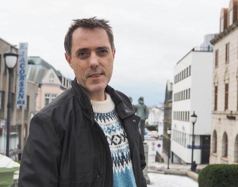NY BOK: Geir Tangen seilte rett til topps på bestselgerlisten med «Vargtimen».