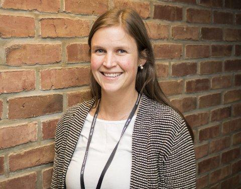 GLEDER SEG: Sunniva Knutsen er ny fylkesbiblioteksjef i Finnmark, og ser fram til spennende arbeidsoppgaver. Foto: Stian Hansen
