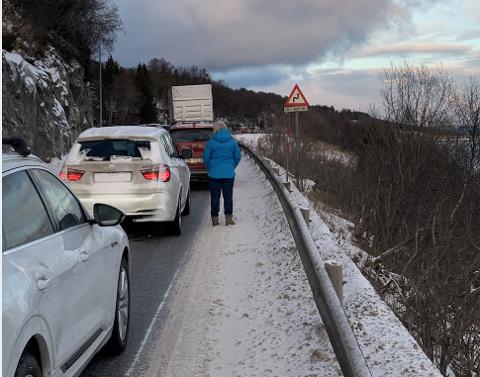 KØ: I forbindelse med trafikkuhellet er det kø i retning Harstad.