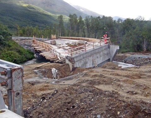 STANSET BYGGING: I 2010 ble byggingen av nye Breivikeidet bru stanset da grunnen - og brua - begynte å sige.