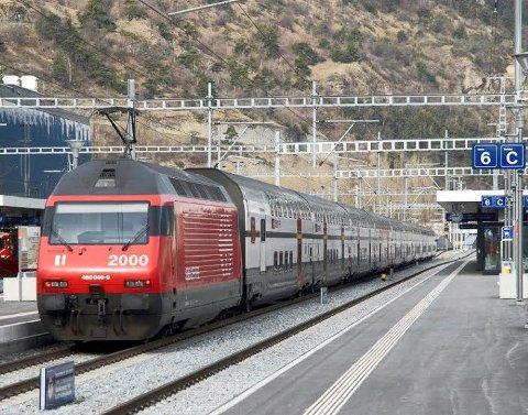 FLERE PASSASJERER: Tidligst mot slutten av 2019 kan dobbeltdekkere settes i rute til og fra Halden i rushtiden.