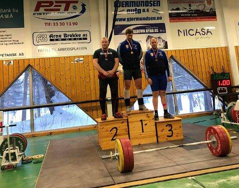GULL: Det ble førsteplass på Lars Joachim Nilsen i klasse 109 senior under østlandsmesterskap i vektløfting i helgen.