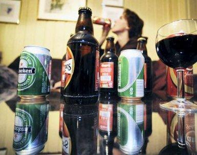 ØL OG VIN: Sande-mannen hadde drukket øl og vin før han satte seg i bilen.