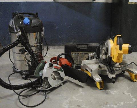 TIL RETTE: Dette tyvegodset ble stjålet på Ise i begynnelsen av januar og ble funnet i et depot som de to rumenerne hadde etablert i Sverige. Men verdier for rundt en halv million kroner er fraktet ut av Norge.FOTO: GEIR BJØRNSTAD