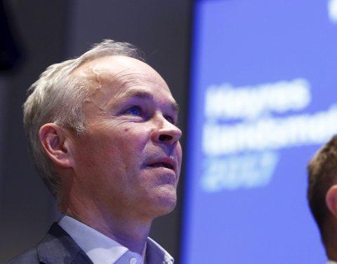 – Kommunene legger bedre til rette for forhåndsstemming, sier kommunalminister Jan Tore Sanner (H).