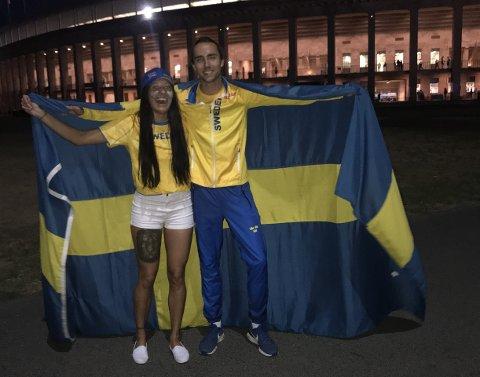SØLVJUBEL: Sandra Mariel Hollevik (21) frå Årdal feira EM-sølvet til syskenbornet Andreas Kramer (21) i Berlin laurdag kveld. (Foto: privat)