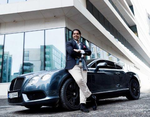STORKAR: Lege Arwin Rahi har vakt oppsikt med mange dyre bilkjøp. Han har hatt Ferrari, Lamborghini og tre Porscher på fire år. Her med hans Bentley Continental GT.