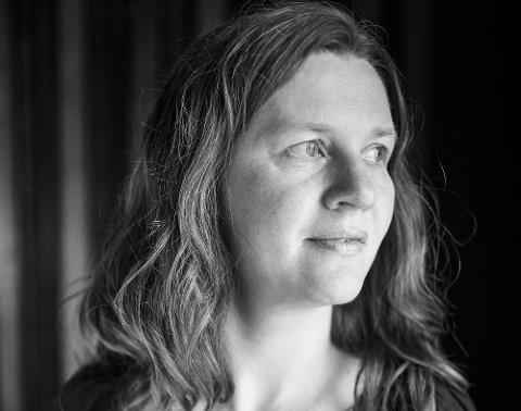 """Gro Kjelleberg Solli har vært med på flere plateinnspillinger før. Bildet er fra den forrige platen hun medvirket på, """"Syngjaren"""", som ble utgitt av Fylkesarkivet i Møre og Romsdal i 2016."""