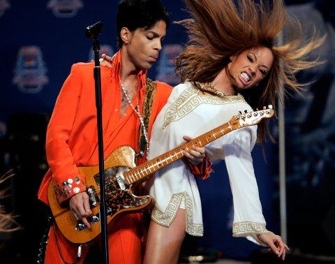 Prince i Miami Beach, Florida. Blant artistens mest kjente låter er Purple Rain og Kiss.