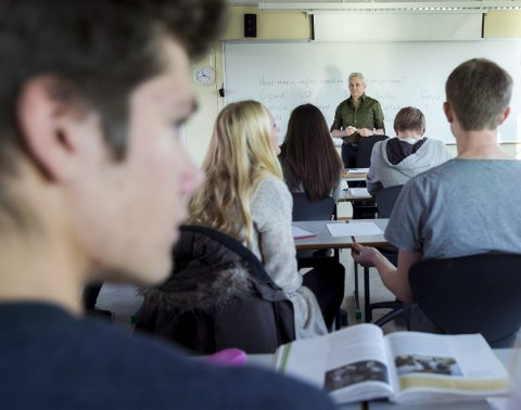 Ved å skille elevene kan de engasjerte elevene jobbe med andre som er like engasjert og konsentrert som dem, skriver Oscar Olderøy Holmen (13), og mener undervisningen dermed blir mer motiverende. Illustrasjonsfoto.