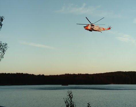 Totalt tre helikopter er satt inn i redningsaksjonen ved Krusetjern, hvor en jente skal ha druknet.