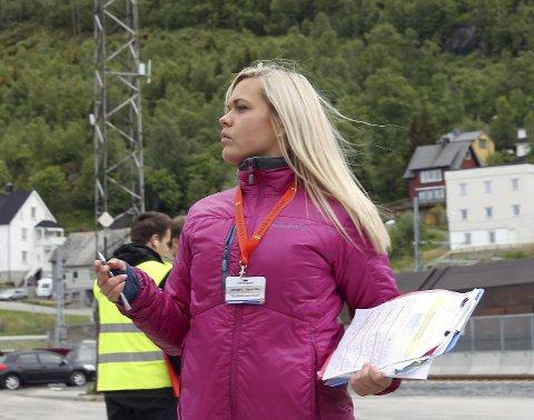 UROLIG: Lise Janita Hansen frykter fremtiden for mange i reiselivsnæringa dersom forslaget om økt moms og økte flyavgifter blir stående.