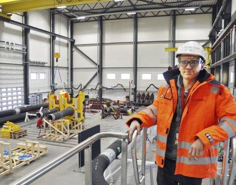 LIKER Å SKAPE TING: Han elsker å være i et miljø som skaper ting. På Hammerfest Industriservice fant Jan-Inge en jobb han stortrives i.