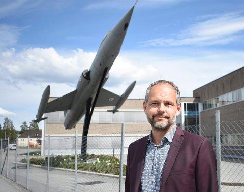 MÅ SI OPP: Peter Hjortsberg er administrerende direktør i GKN Aerospace. Onsdag holdt han allmøte for å fortelle at