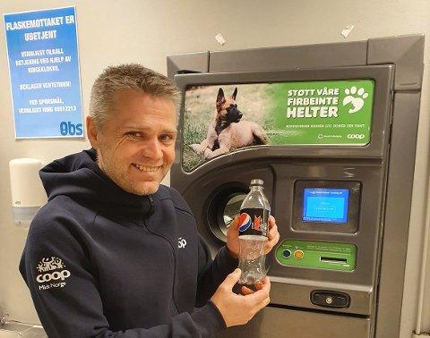 Obs City Lade hadde mest panteaktivitet av samtlige butikker i Trøndelag i fjor. Det gir daglig leder Anders Næss grunn til å smile.