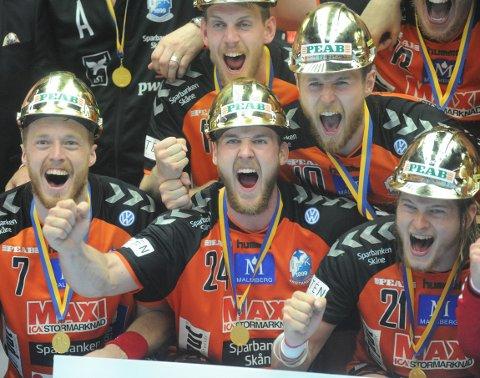 GULLJUBEL: Christian O'Sullivan kunne juble for sitt andre SM-gull med IFK Kristianstad. Nå venter Magdeburg i Tyskland.