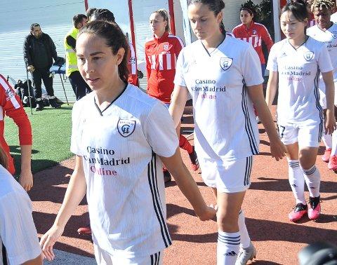 Ingrid Moe Wold på vei ut til kamp for CFF Madrid. Kapp-jenta har tilbud om å fortsette i Spania, men har også andre alternativer.
