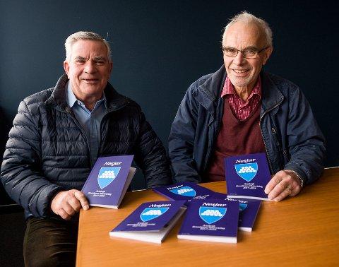 GODE FORTELLERE: Nils Melau, til venstre, og Knut Rimstad har vært sentrale med å få gitt ut den 20. utgaven av «Nejar»