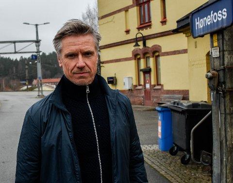 Morten Klokkersveen er prosjektdirektør for Ringeriksbanen og E16.