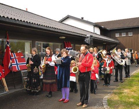 IKKE KORPS I ÅR: Hurdal korps (tidligere Hurdal skolekorps) har ikke nok musikanter til å spille på nasjonaldagen i år. Bildet er tatt ved en tidligere anledning.