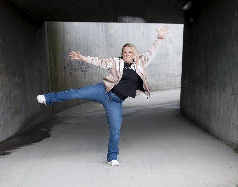 Klar for festival: Tina Hermansen (43) er dama bak Tinas Treningsblogg, som har 82.000 følgere på Facebook og 25.000 på Instagram. Nå håper hun folk dukker opp på Nebbenfestivalen – så den kan fortsette år etter år. Begge Foto: Vidar Sandnes