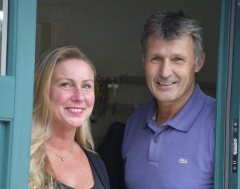 Selger: Beate og Ole Johan selger huset som har krevd mange timer med oppussing.