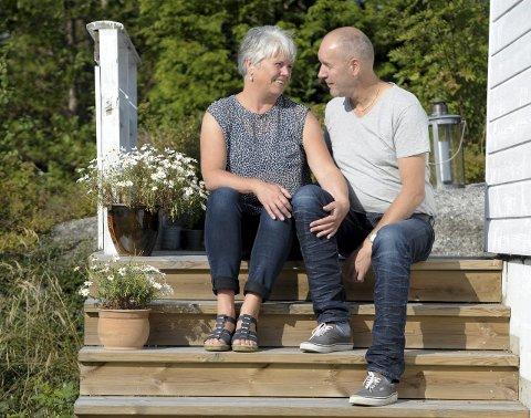 Sammen: Tone Hasle og Finn Bjurvoll Hansen lagde bildeserien «Voyage» for å uttrykke sine opplevelser etter at Tone ble diagnostisert med brystkreft. Foto: Per Langevei