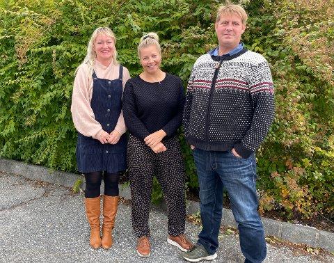 Rita Butterworth, Malin Schefström og Trond Christiansen mener samfunnet legger for stort press på tenåringsforeldre og barn mellom 12 og 16 år for å ta koronavaksine.