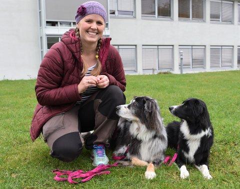 HOLDER SEG AKTIV: Karin Fyrand-Westby (36) har har hatt hund siden hun var 10 år og kunne ikke tenke seg et liv uten firbeinte familiemedlemmer, småbarnsfase til tross.