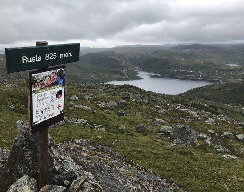 Toppen: Utsikt frå toppen av Rusta mot Stordalen.