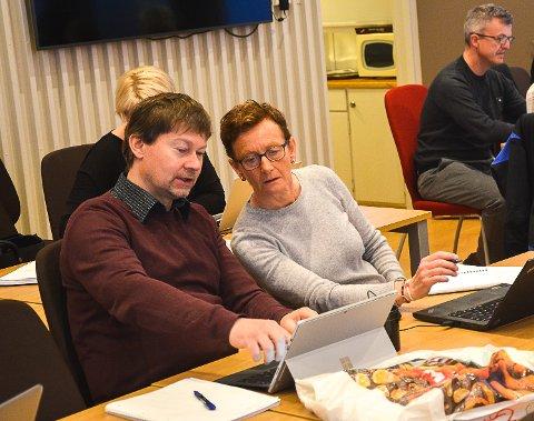 INHABIL: Teknisk Sjef Kjell Ove Hovde er inhabil i arbeidet med den store kommunedelplanen. Her sammen med  Lisbeth Friberg som får fortsette å jobbe med planen.