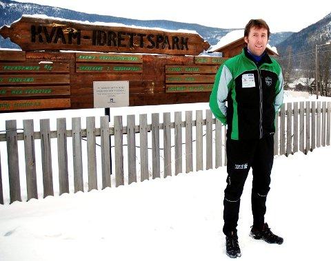 Furusjøen Rundt-rennet måtte avlyses. Det er det tredje arrangementet på rad i Furusjøen som har latt seg gjennomføre. Her ved daglig leder i Kvam IL og Furusjøen Rundt, Ole Petter Brendstuen.