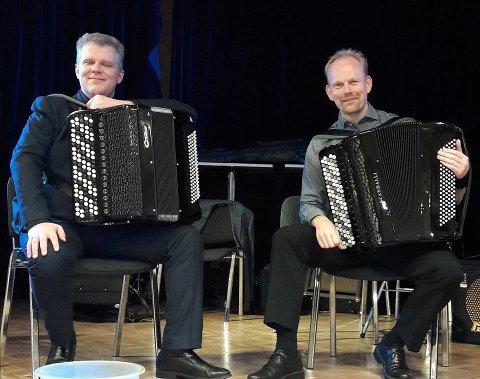 TREKKSPILLERE: Håvard Svendsrud og Øivind Farmen.