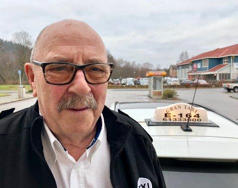JOBBER: Roy Borgen fra Jaren er pensjonist, kjører taxi og liker å følge med i skattelistene.