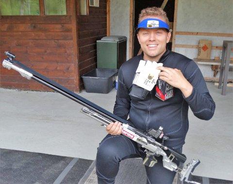 SATSER VIDERE: Koronaen torpederte årets sommer-OL, som var Simon Kolstad Claussen store mål i år. Nå har han utsatt videre studier og satser for fullt med sikte på at det blir et OLi Tokyo i 2021. I helgen sikret han seg et nytt NM-gull.