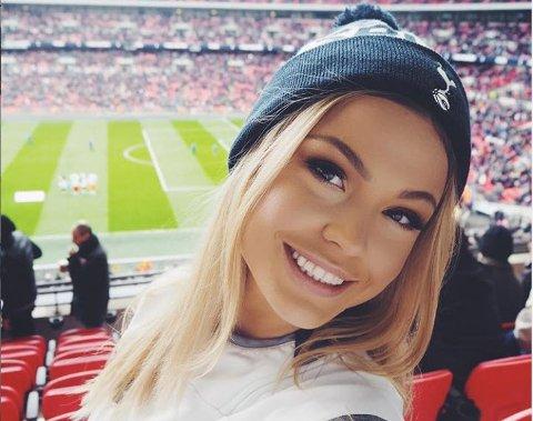 Populær: 22 år gamle Thea Gudmundsen er blitt vant til å få vulgære meldinger fra ukjente menn. Hun forteller at en del kan være ganske pågående.