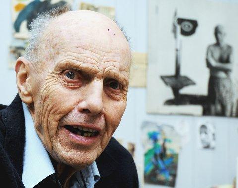 """En """"STOR MANN"""": Carl Nesjar bodde nesten halve livet sitt i kunstnerboligene på Bøler. Nå er han borte. Arkivfoto: Nina Schyberg Olsen"""