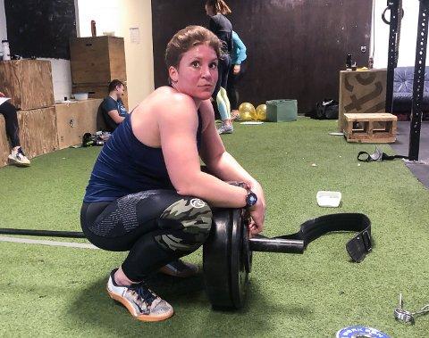 FERDIG: Tina Sveum puster ut etter ei hard økt i Crossfit Open.